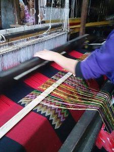 handloom weaving pic
