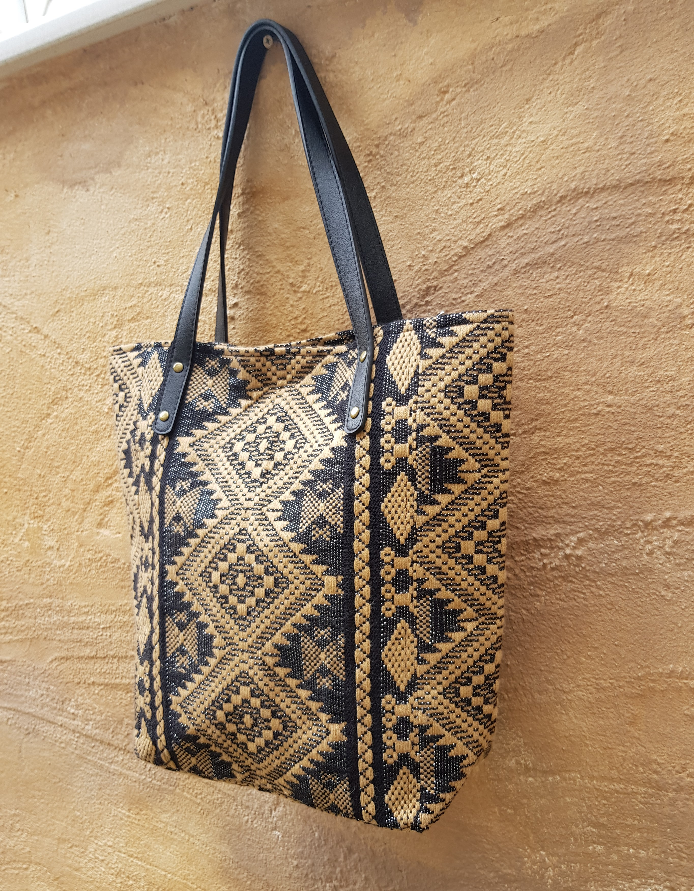 Shoulder Bag Full Zip Fully Lined Aztec Woven Patterns NEW