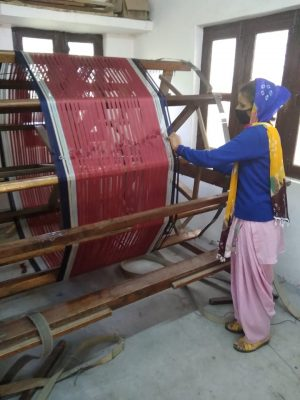 Handloom weaving picture